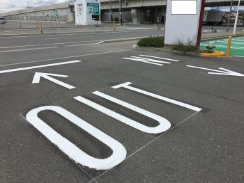 施工後の駐車場白線